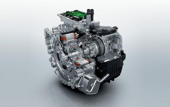 suv 3008 silnik hybrid4