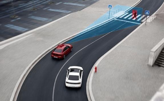 Technologie jazdy półautonomicznej z adaptacyjnym tempomatem z funkcją Stop&Go i asystentem monitorowania pasa ruchu – nowy PEUGEOT 508.