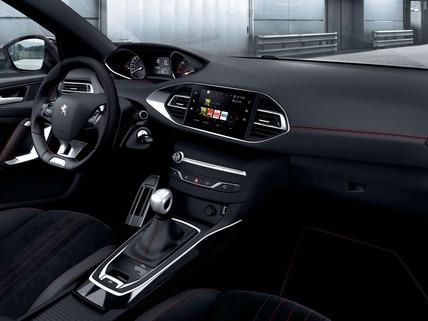wyjątkowy charakter i design wnętrza Peugeot 308 GT