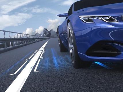 Technologie jazdy półautonomicznej z adaptacyjnym tempomatem z funkcją Stop&Go i asystentem monitorowania pasa ruchu – nowy PEUGEOT 508 SW dla biznesu