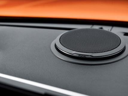 Nowy SUV PEUGEOT 2008 – nagłośnienie Hi-Fi Focal®