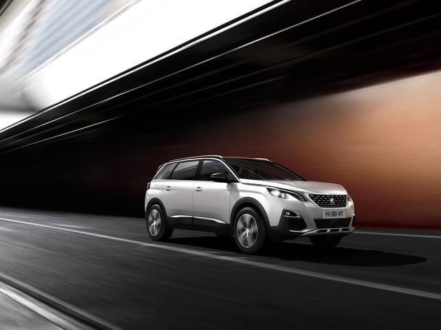 Innowacyjny i wyjątkowy Peugeot SUV 5008 jest spełnieniem marzeń najbardziej wymagających kierowców